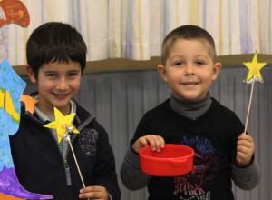 niños jugando magia