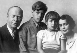 Prokofiev y su familia